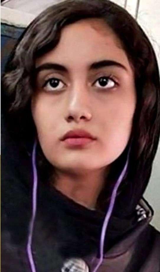 جمهوری اسلامی دختر ۱۴ ساله، نی … 841301001580974204
