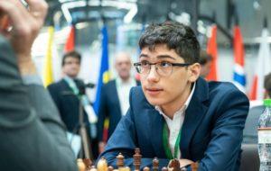 پیروزی خیره کننده شطرنج باز ا … پیروزی خیره کننده شطرنج باز ا … 421913001587152405 300x190