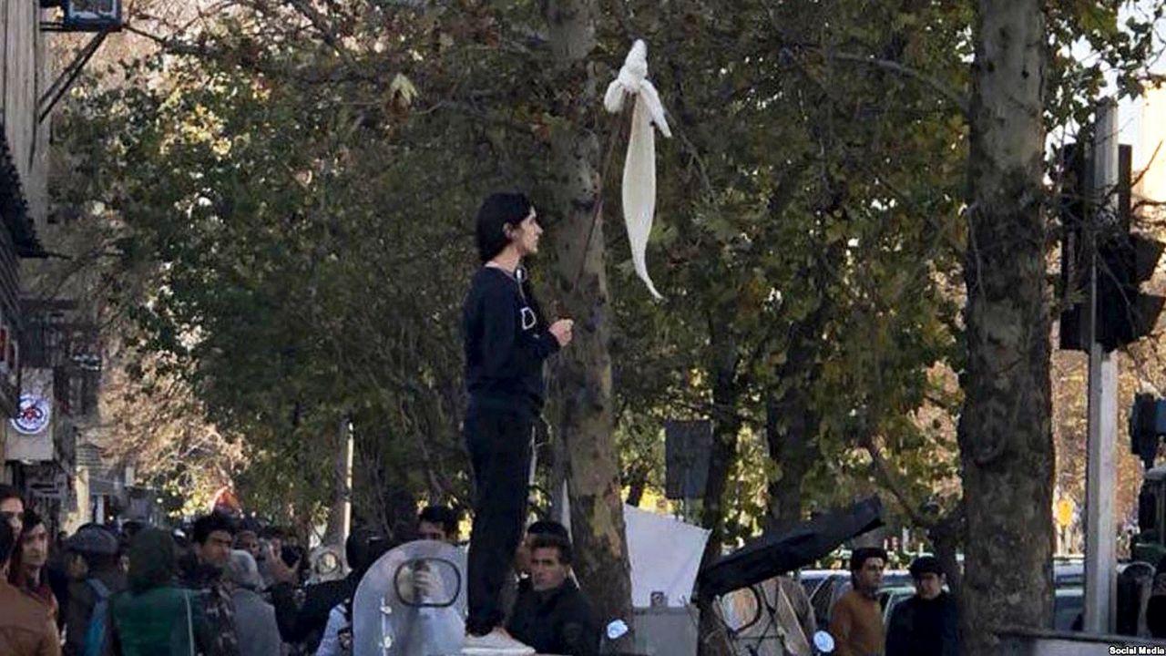 برای همهی پرچمهای سفیدی که … 769388001595001005