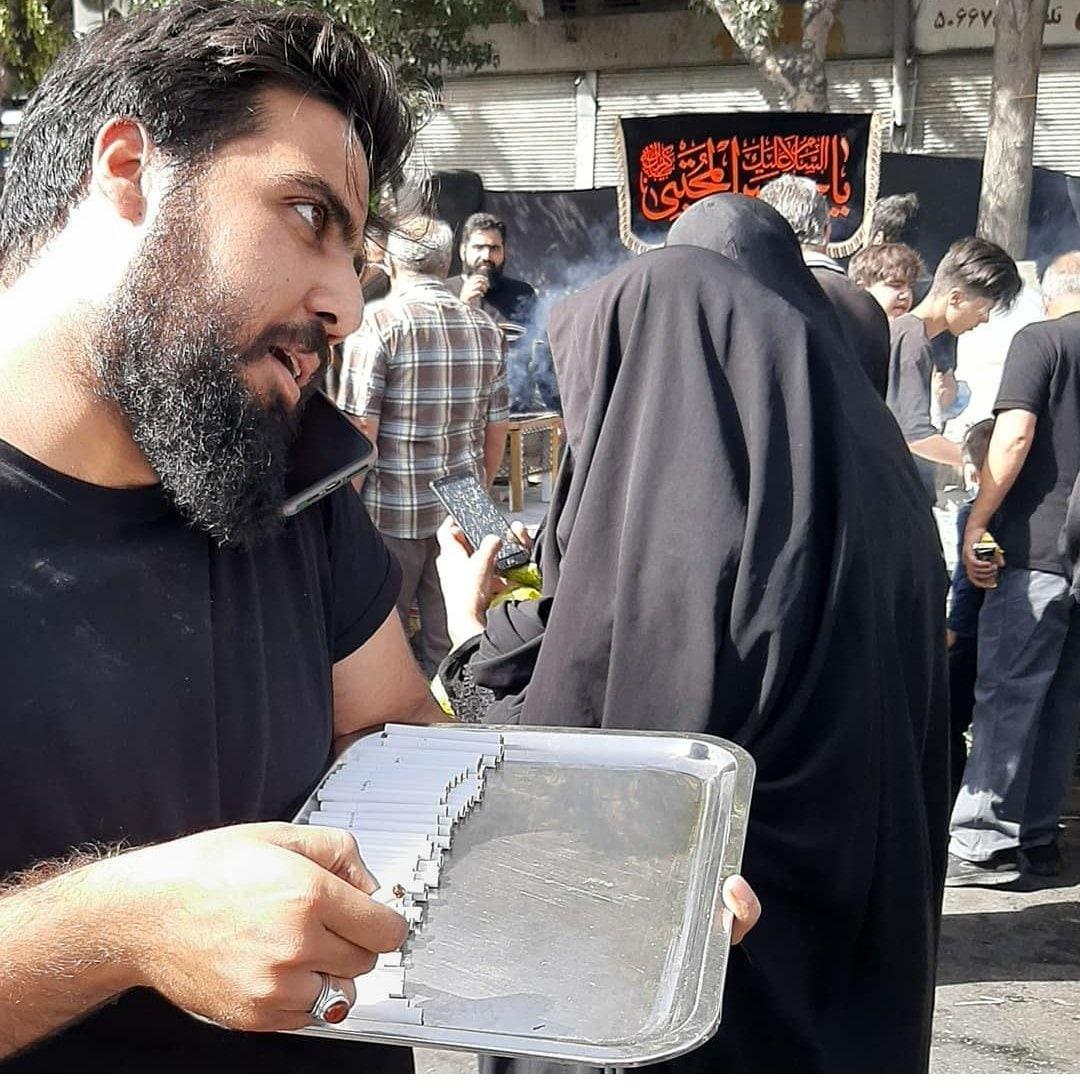 نذر #سیگار در راهپیمایی #اربعی … 509685001632744004
